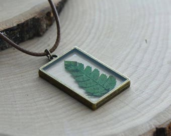 Double Sided Glass Nature Preserved GREEN Fern Leaf Necklace - Vintage Style (BC019)