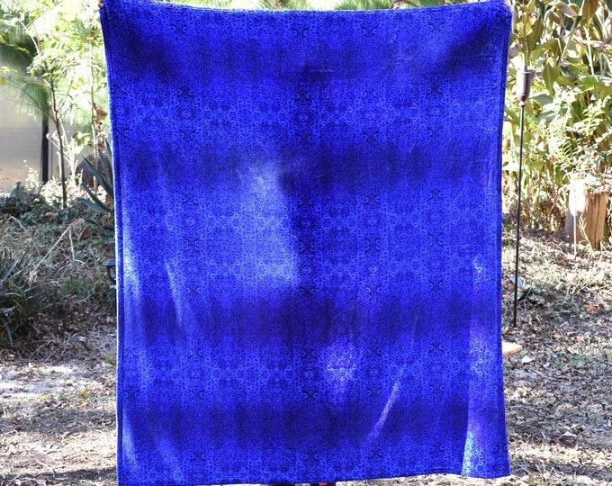 Royal Blue Eye Pattern Throw Blanket