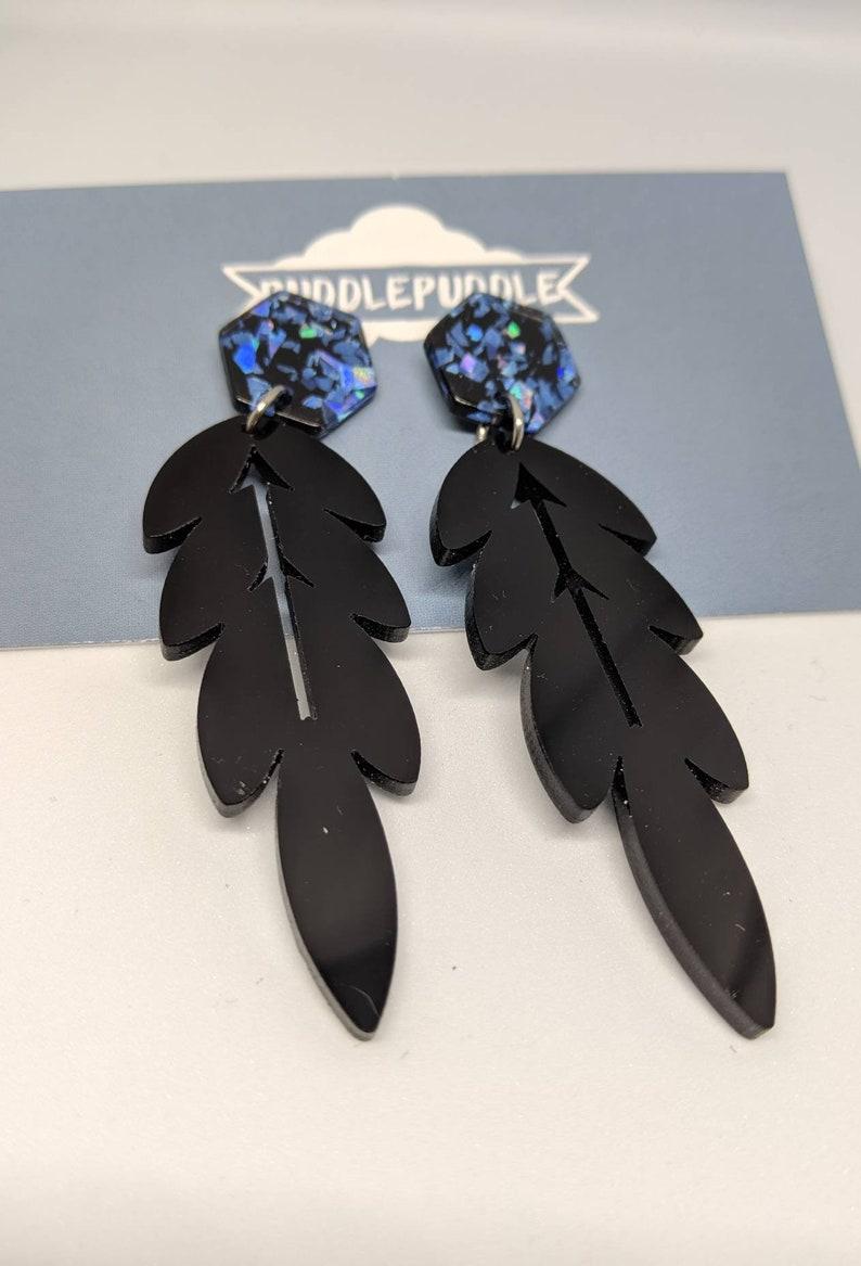 Black leaf dangle earrings image 0