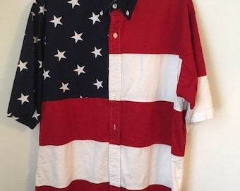 feee91ab59 Vintage 90s Sz L Red White and Blue Stars and Stripes American Flag USA  Patriotic Graphic Short Sleeve Button Up Men s Dress Shirt Red Head
