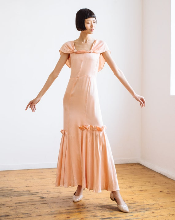 RARE 1930s bias cut baby pink silk ruffled gown O… - image 3
