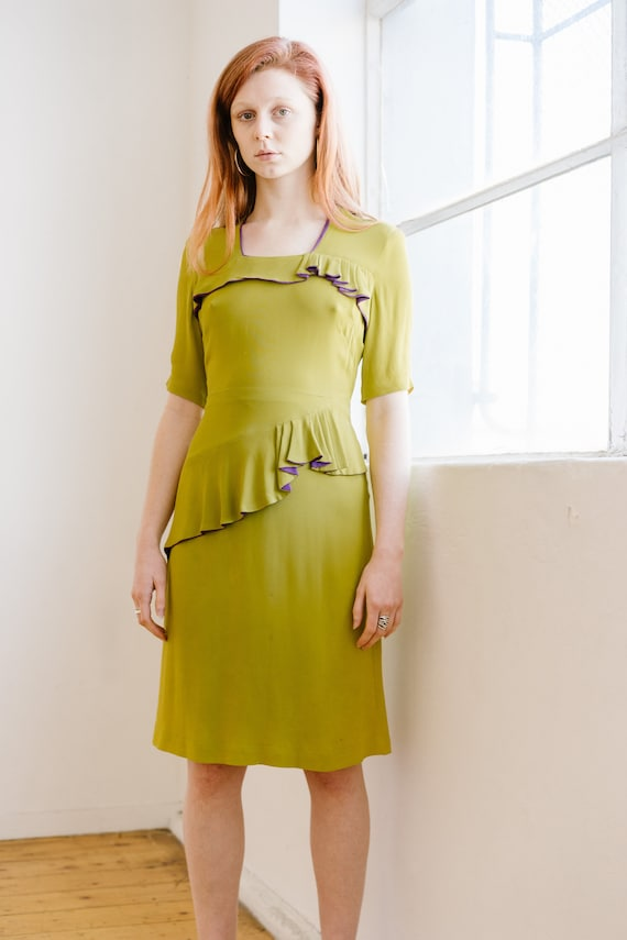 RARE early 1940s chartreuse crepe day dress Antiqu