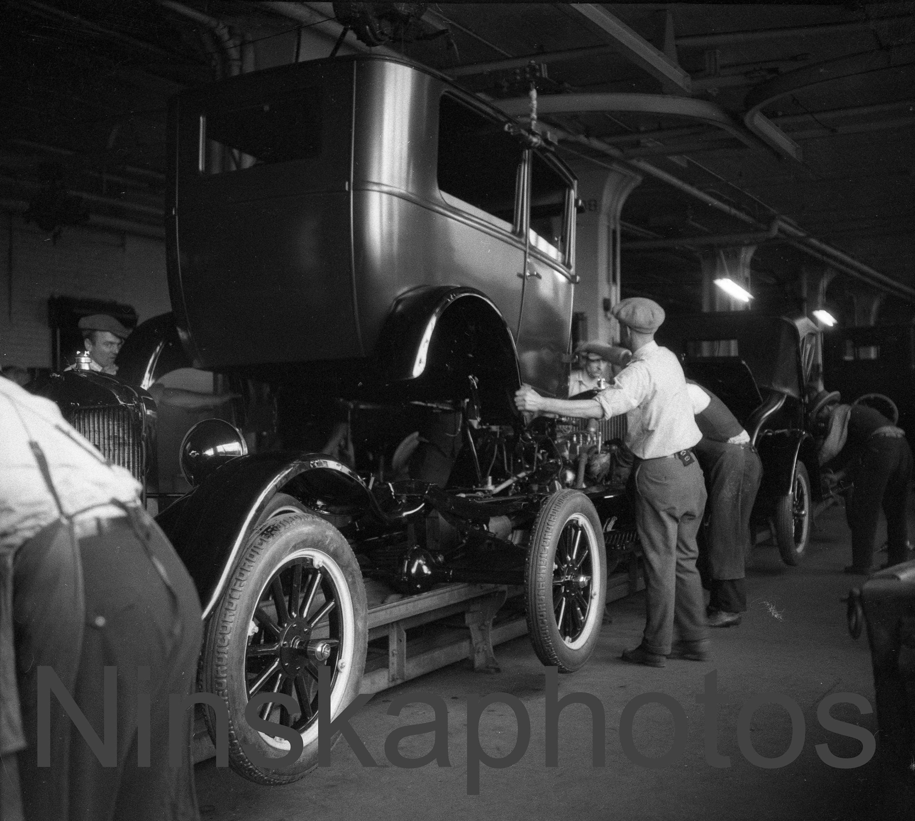 Ford Model T Assembly Line Ford Factory Fordson Plant Detroit