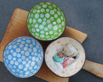 Coconut Snack Bowl- Mother of Pearl Spot / Sustainable bowl, smoothie bowl, zero waste, fairtrade, outdoor dining, buddha bowl, picnic bowl