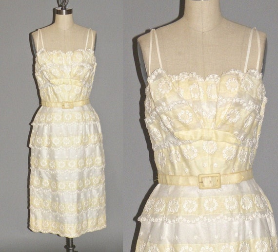 Vintage 1950s Yellow & White Embroidered Garden Pa
