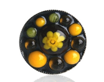 Playful ring with small yellow glass drops, yellow black glass ring, yellow-black glass ring, buy drop glass yellow.