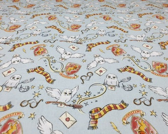 Harry Potter Magical Gryffindor fabric 100% Cotton Fat quarter, 3/4 Metre, Half metre, Metre