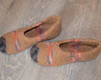 Gr. 38/39 (length 24 cm): felted slippers with latex sole/felt-slippers with latex sole