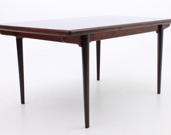 Danish Mid-Century Modern Rosewood Dining Table by Slagelse Møbelfabrik
