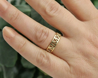 Dainty Roman Numeral Ring-Custom Wedding Band-Date Jewelry-Gold Roman Numeral Jewelry-Bridesmaid Gift-Personalized Gift-Personalized Jewelry