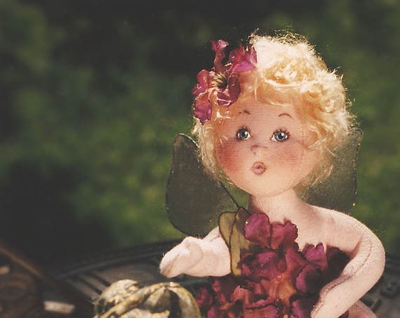 Robin, A Baby Flower Fairy Cloth Doll Pattern - Doll Making E-Pattern - PDF