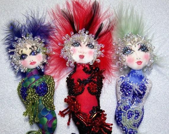 CE702E – Bubble Doo, Cloth and Bead Mermaid Pin Doll