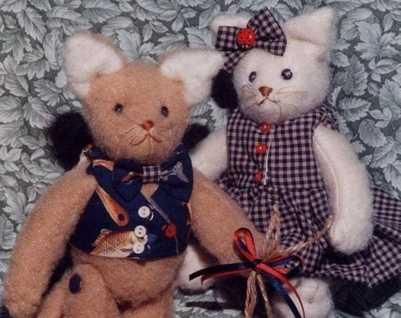HB905E -  Will You Be My Sweetheart? - 9 inch Felt Kitties Cloth Animal Doll Sewing Pattern - PDF Download by Billie Heisler