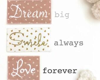 Mots en tissu aimantés, mots magnétiques, règles de vie, règles de maison,  chambre enfant, chambre bébé, déco, live love laugh