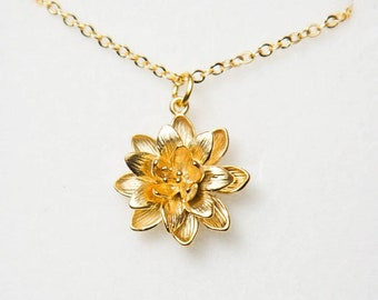 00e68ba20ebb59 Gold flower necklace. Gold lotus necklace.