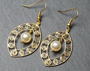 Gold pearl earrings. Swarovski Pearl Earrings. Big gold earrings.