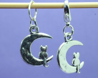 Cat and Moon Knitting or Crochet Stitch Marker, Knitting Stitch Marker, Crochet Marker, Knitting Tools, Crochet Tools, Gift for Knitters