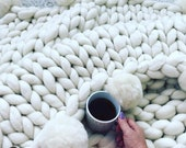 Chunky knit blanket, Merino wool blanket with Pom poms, Merino Wool Throw, Giant knit blanket, Chunky Merino blanket, blanket