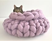 Cat Bed, Knitted Chunky Cat bed, Pet bed, Pet cave, Pet Bedding, Merino Wool Cat bed,