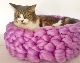 Cat Bed, Chunky Knit Cat bed, Pet bed, Pet cave, Pet Bedding, Merino Wool Cat bed,