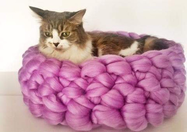 Cat Bed Chunky Knit Cat bed Pet bed Pet cave Pet Bedding image 1