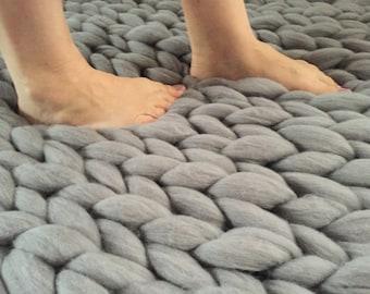 Chunky Rug, Chunky Knit carpet, Giant knit throw, Jumbo knit carpet, Merino wool, Braided Rug