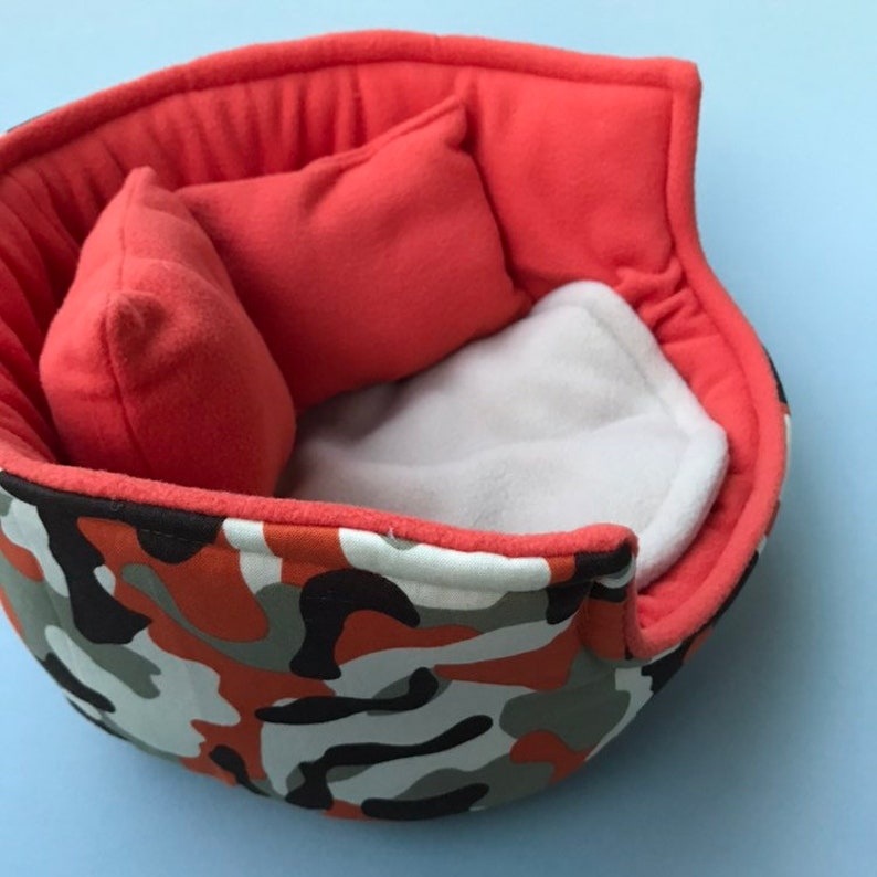 Fleece sofa Fleece bed LARGE camouflage cuddle cup Pet beds Pet sofa. Pet sofa Guinea pig bed