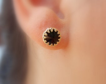 Black swarovski stud earrings - gold pearl earrings - classic earrings - stud earrings - crown setting - gift
