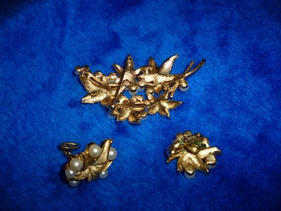 Trifari brooch and earrings a283 - image 2