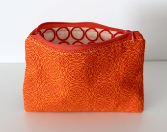 Orange/Red Circles Zipper Bag