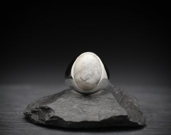 Howlite x Sterling Silver Ring