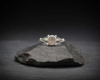 Rose Quartz x Sterling Silver Ring
