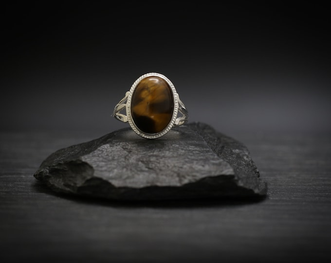 Featured listing image: Tiger's Eye x Sterling Silver Ring