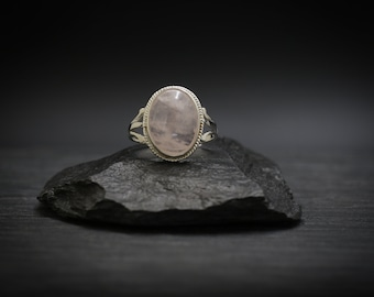 Rose Quartz x Sterling Silver Ring