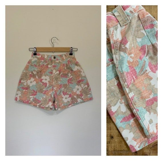 "24"" High Waisted Shorts Floral Denim / Bonjour Sho"