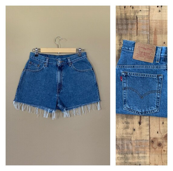"30"" Levis High Waisted Shorts/Levis Shorts/90s sho"
