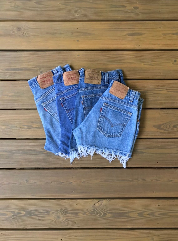 """35"""" Levis High Waisted Shorts/Levis Shorts/90s sho"""