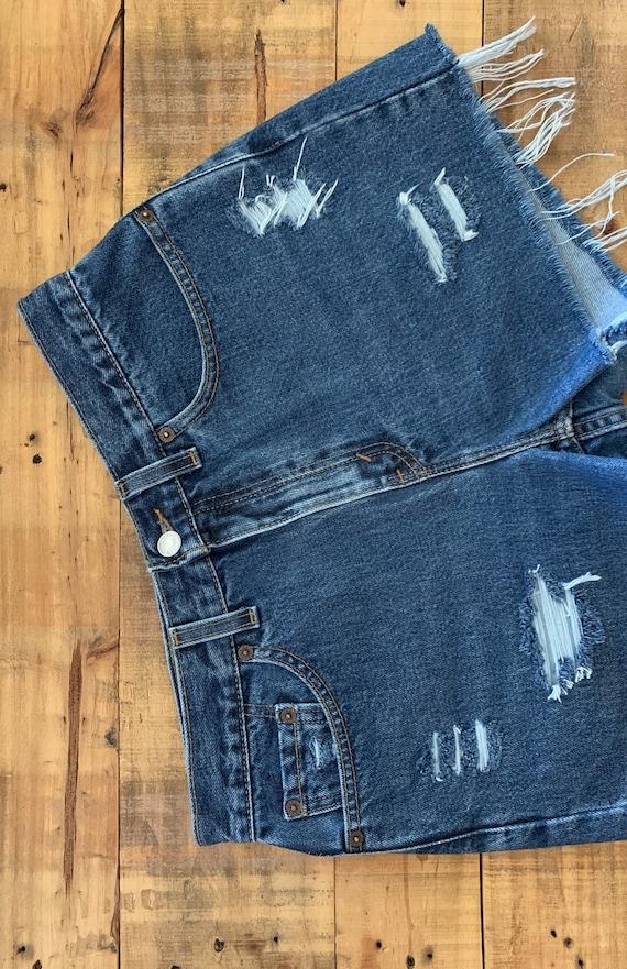 "31"" Levis High Waisted Shorts Denim / Levis High … - image 3"