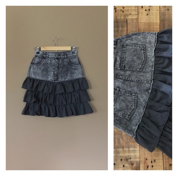 "26"" Black High Waisted Skirt / 90s Denim Skirt / 8"