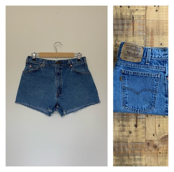 """32"""" Levis High Waisted Shorts/Levis Shorts/90s sho"""