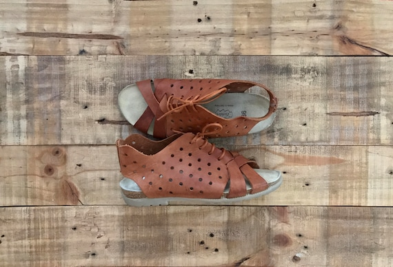 90's Leather Sandal Huaraches / Woven Sandals / Wo