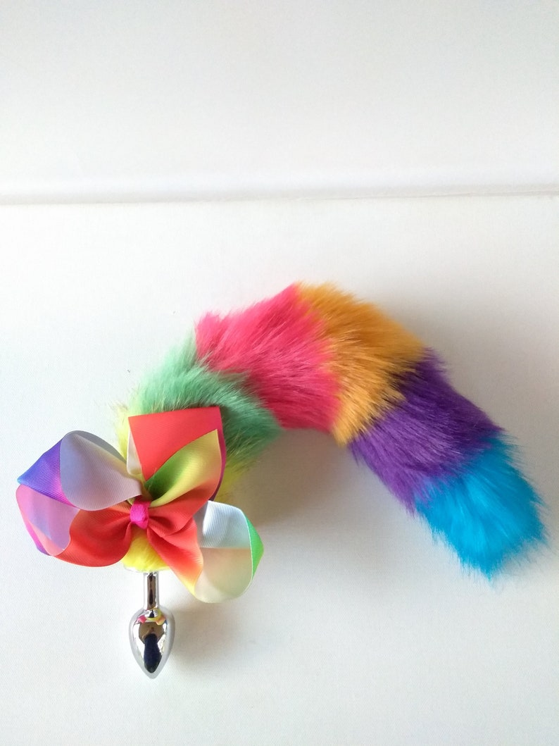 Bbw plays with anal plug with tail