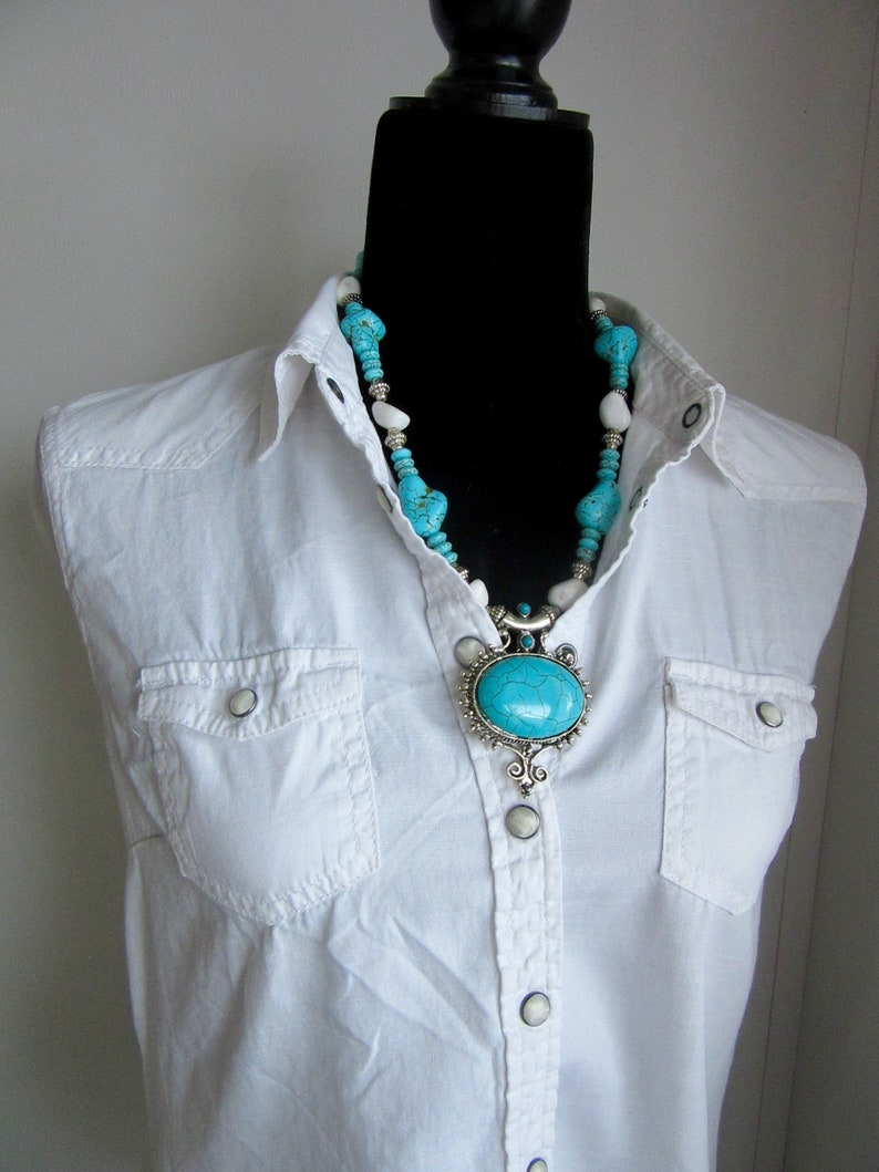 Country Western white Jade and turquoise Howlite necklace