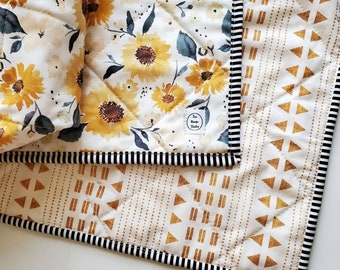 Sunny Floral Baby Quilt, Yellow Floral Baby Quilt, Floral Baby Bedding, Baby Girl Quilt, Baby Quilt For Sale, Boho Nursery, Handmade quilt