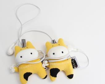 Soft Knit Earphone Case, AirPods Holder, Cute Cow Earphone Pouch, Earphone Organizer, Animal face Earphones holder.