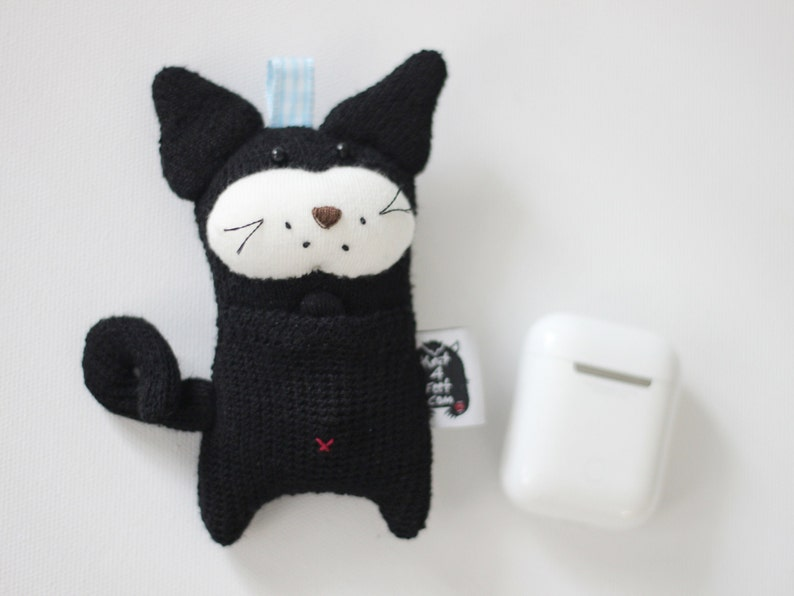 Black Kitty AirPods CaseKitty AirPods Holder AirPods Pouch image 0