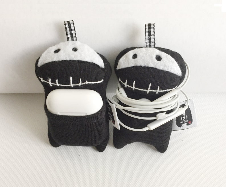 Halloween Cute Little Earphone Pouch and Keychain Halloween image 0