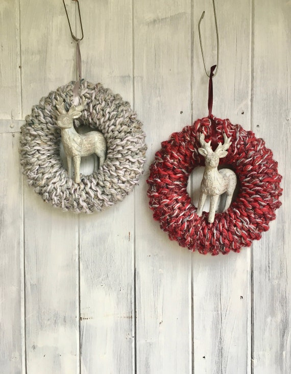 25cm Knitted Christmas Wreath