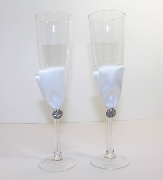 a2404100bb9 CLEARANCE WEDDING CHAMPAGNE Flutes Bride   Groom Glasses