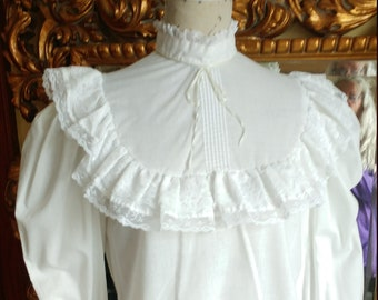 Vintage 1970's White Ruffled Prarie Blouse with Lace Trim
